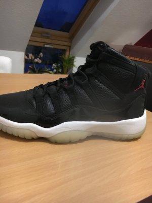 Nike Air Jordan 11 '72-10'