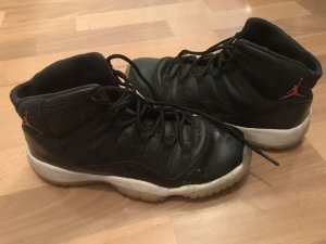 Nike Air Jordan 11 (black/red)