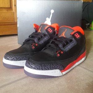 Nike Air Jordan Retro 3 Schwarz/Lila/Rot