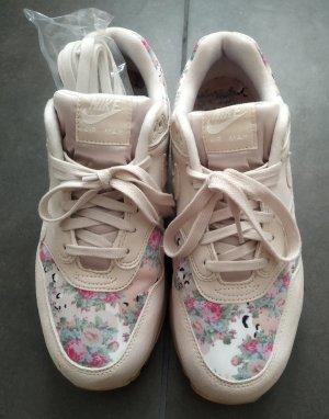Nike Sneakers cream