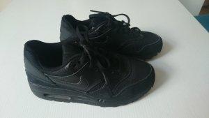Nike Basket à lacet noir matériel synthétique