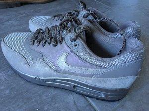 Nike Air Max 1 metallic