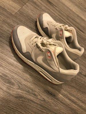 Nike Basket à lacet crème-blanc cassé