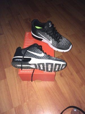 Nike Air Max 38