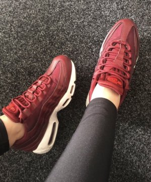 Nike Chaussure skate rouge carmin
