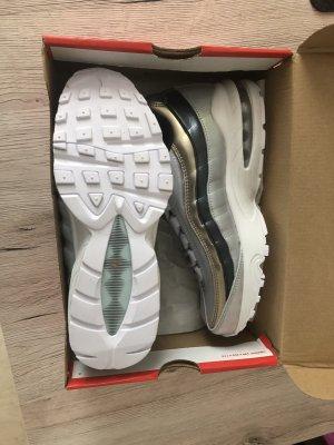 Nike Air Max 95 SE (GS) Größe 39