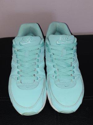 Nike Basket à lacet turquoise