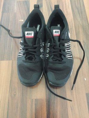 Nike -air-max-effort-training