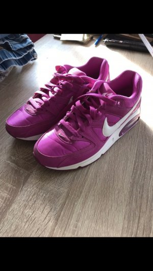 Nike Lace-Up Sneaker violet