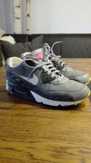 Nike Air Max Gr.38 (5,5y)