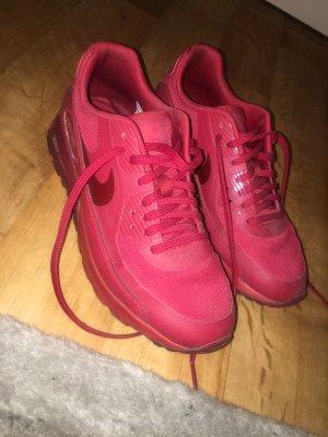 Nike air max in einem rot Ton