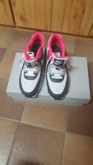 Nike Air Max in grau/pink