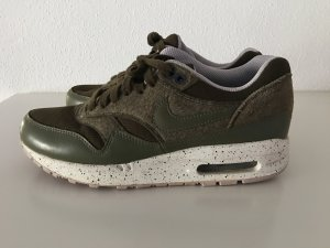 nike air max in khaki