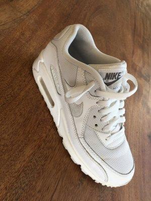 Nike Air Max in weiß