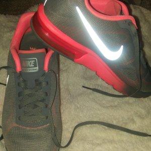 Nike Air Max (Neu!)