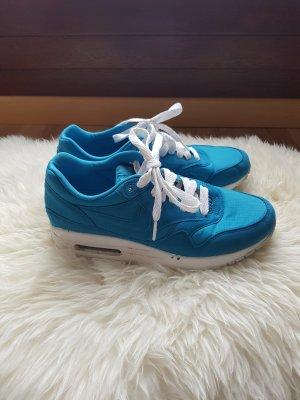Nike Sneakers met veters neon blauw
