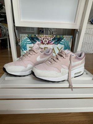 Nike Basket à lacet blanc-rose clair