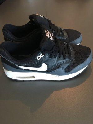 Nike Air Max schwarz