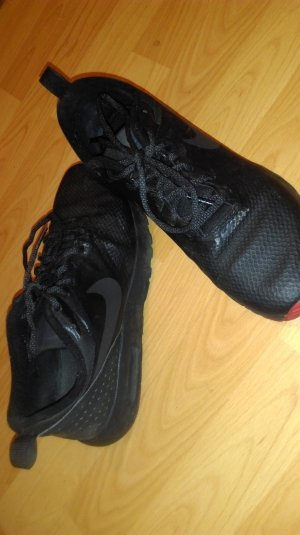 Nike Lace-Up Sneaker black-red