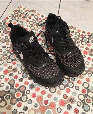 Nike Air-Max Thea