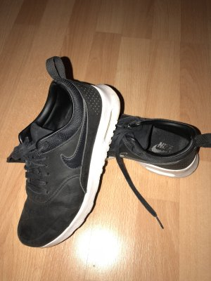 Nike Air Max Thea aus Leder