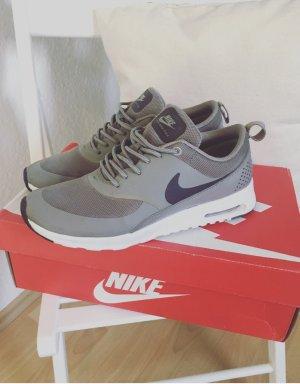 Nike Basket à lacet gris brun-blanc