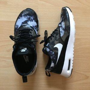 Nike Air Max Thea Gemustert