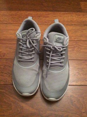 Nike Air Max Thea grau/silber Größe 38,5