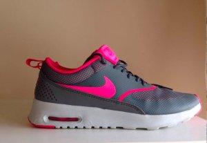 Nike Air Max Thea in Grau Pink