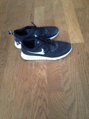 Nike Air Max Thea in schwarz, weiß