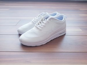 Nike Air Max Thea in weiß Gr. 36,5 UK 3,5