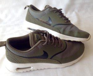 Nike Air Max Thea olivgrün Gr. 37