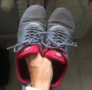 Nike Basket gris clair-rose