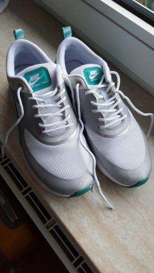 Nike Air Max Thea sehr gut erhalten