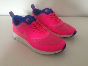 Nike air Max Thea Sneaker.