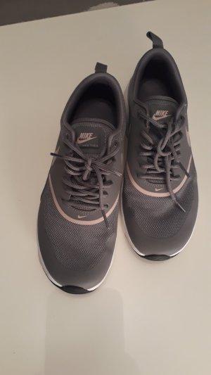 Nike Air Max Thea / Sneaker low / gunsmoke particle rose black