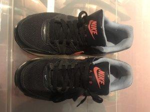 Nike Sneaker stringata grigio chiaro-crema