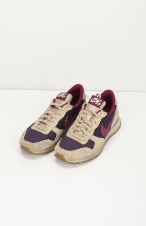 NIKE AIR mit Leder Details in Beige