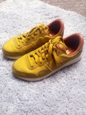 Nike Air Pegasus 83 Sneaker Leder senfgelb gold