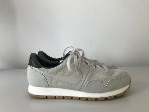 NIKE Air Pegasus '83 Sneakers aus Veloursleder  Gr. 41/US 9,5 hellgrau