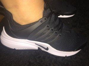Nike air presto - sehr schön am Fuß anzusehen