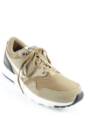 Nike Air Schnürsneaker sandbraun-beige sportlicher Stil