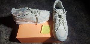 Nike air skylon 2 light bone