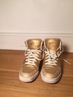 Nike Air Sneaker Gold