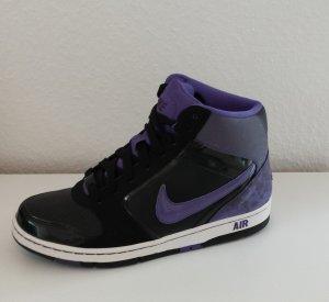 Nike Air Sneaker in Größe 40