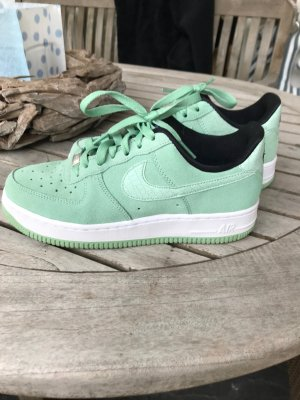 Nike Air Sneaker in Mint