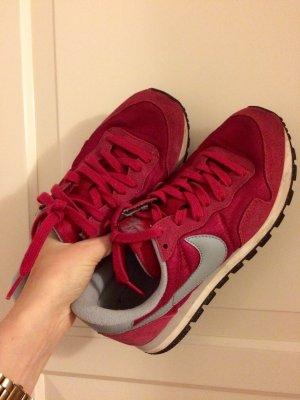 Nike Air Sneaker in pink grau