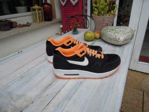 Nike Scarpa nero-arancio neon