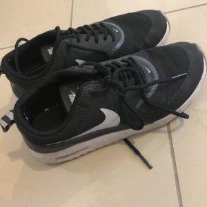 Nike air Thea