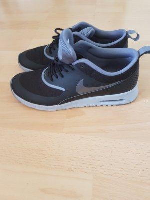 Nike Air Thea schwarz/grau